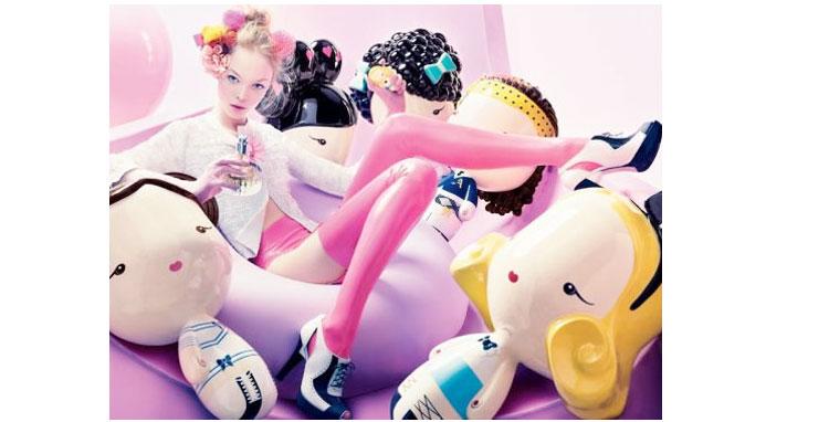 动漫女生原宿风手绘粉色