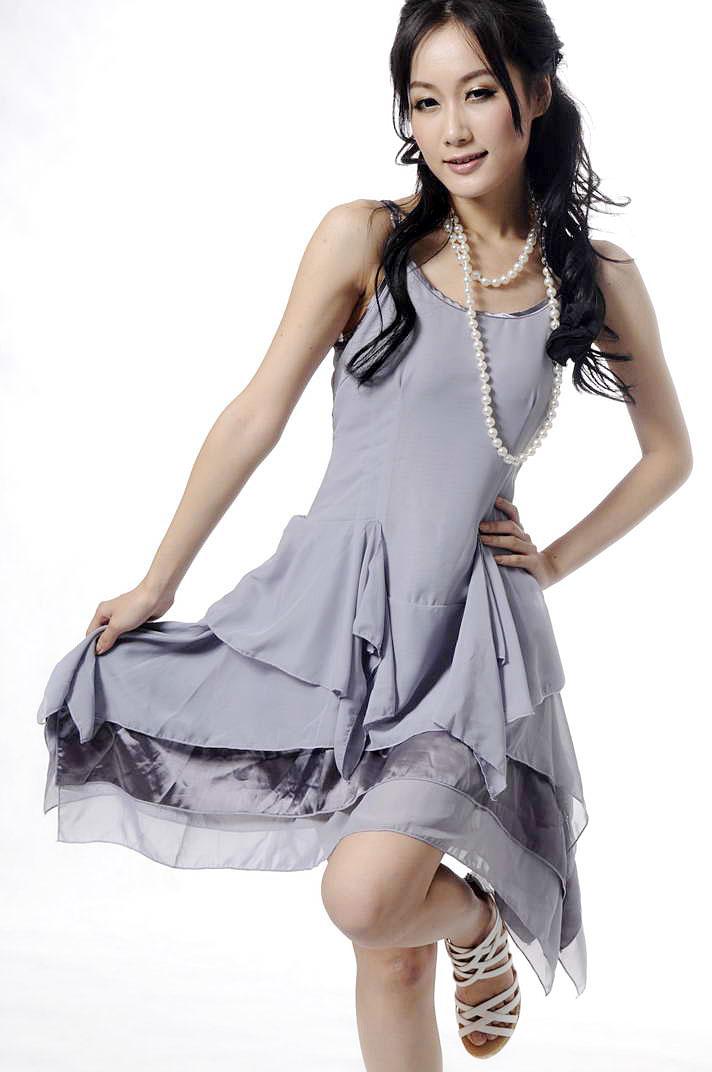 queenie7方形下摆设计感连衣裙